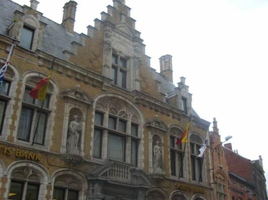 Ypres en flandres belge for Architecture flamande